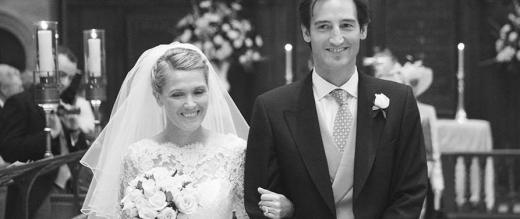 Black and white picture of Debbie and Dom's wedding day